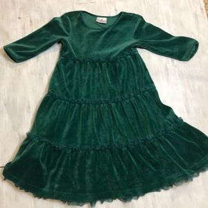 Hanna Anderson green velvet dress. Size 120 (6/7).